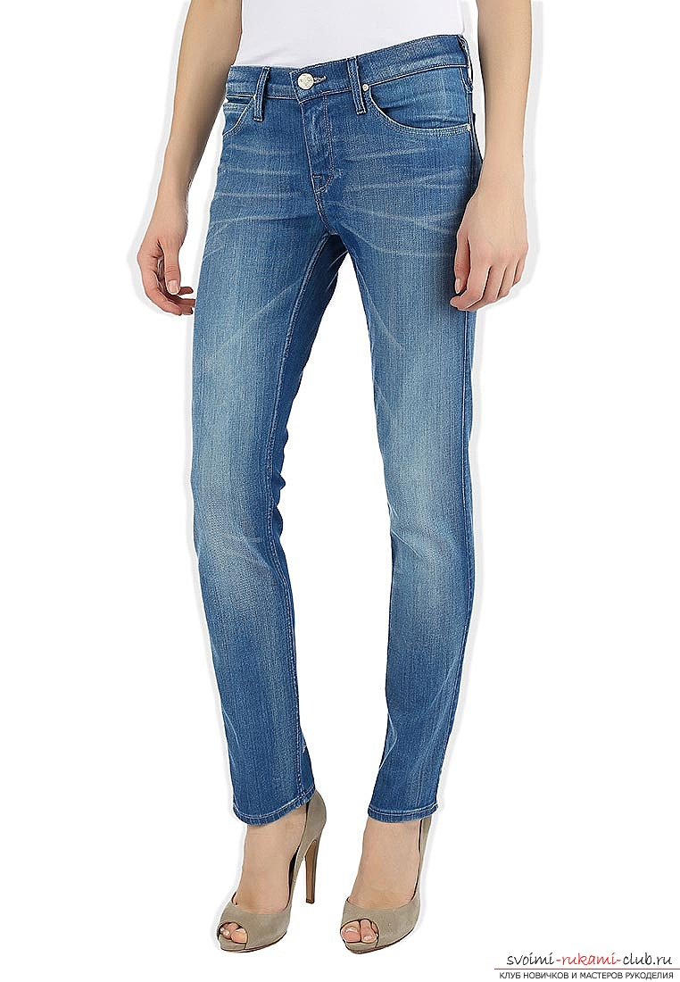 Как сшить модные джинсы самостоятельно. Профессиональная выкройка модных джинс с поэтапными шагами их пошива. Фото №1