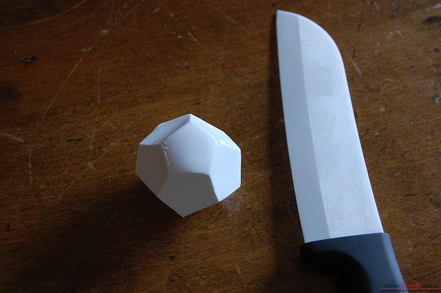 Как своими руками создать крошечные цветочные горшочки из пластики, мы расскажем как это сделать быстро и легко