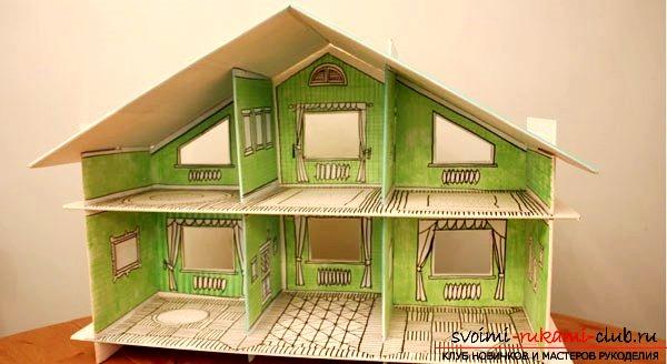 Окна домика могут быть просто