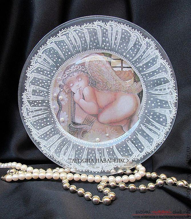 Декупаж тарелки с ангелом. Фото №1