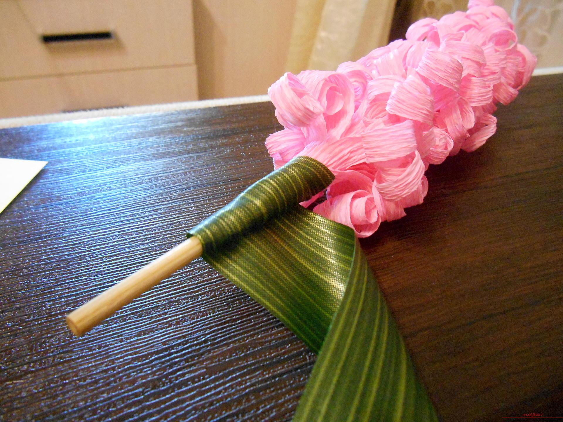 Пошагово цветок из гофрированной бумаги фото