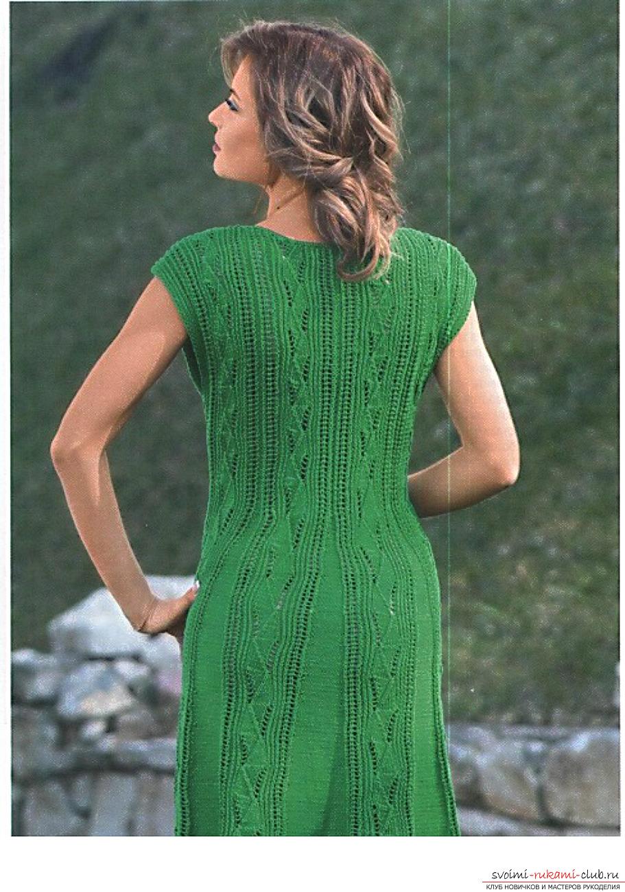 Платье женское вязанное спицами с норвежским узором