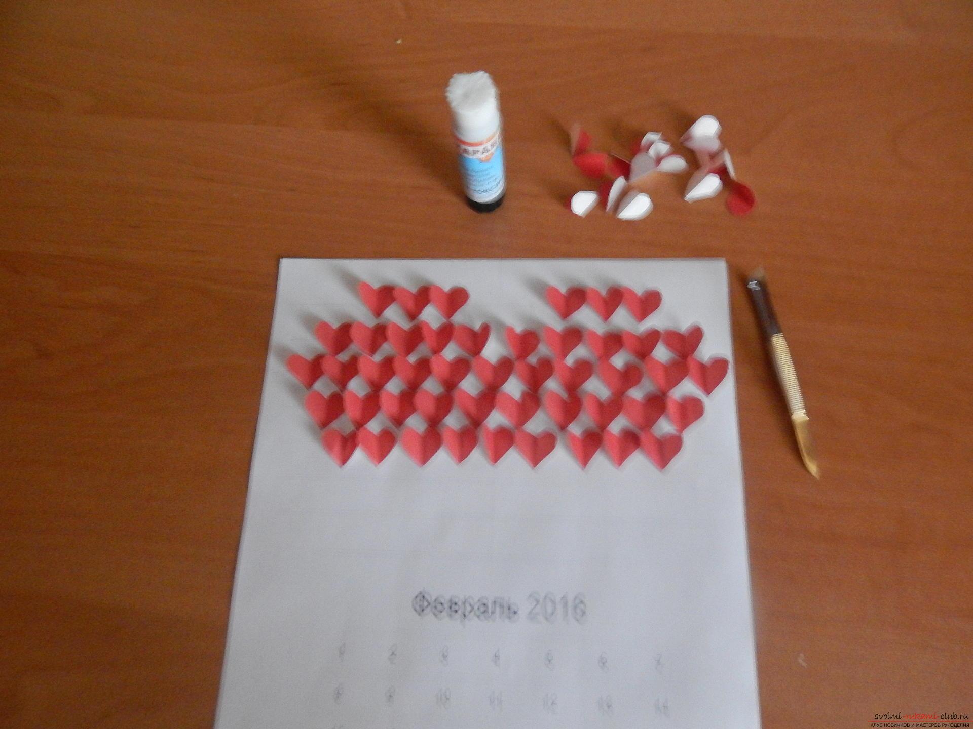 Этот подробный мастер-класс научит как сделать своими руками календарь - подарок на День влюбленных. Фото №12