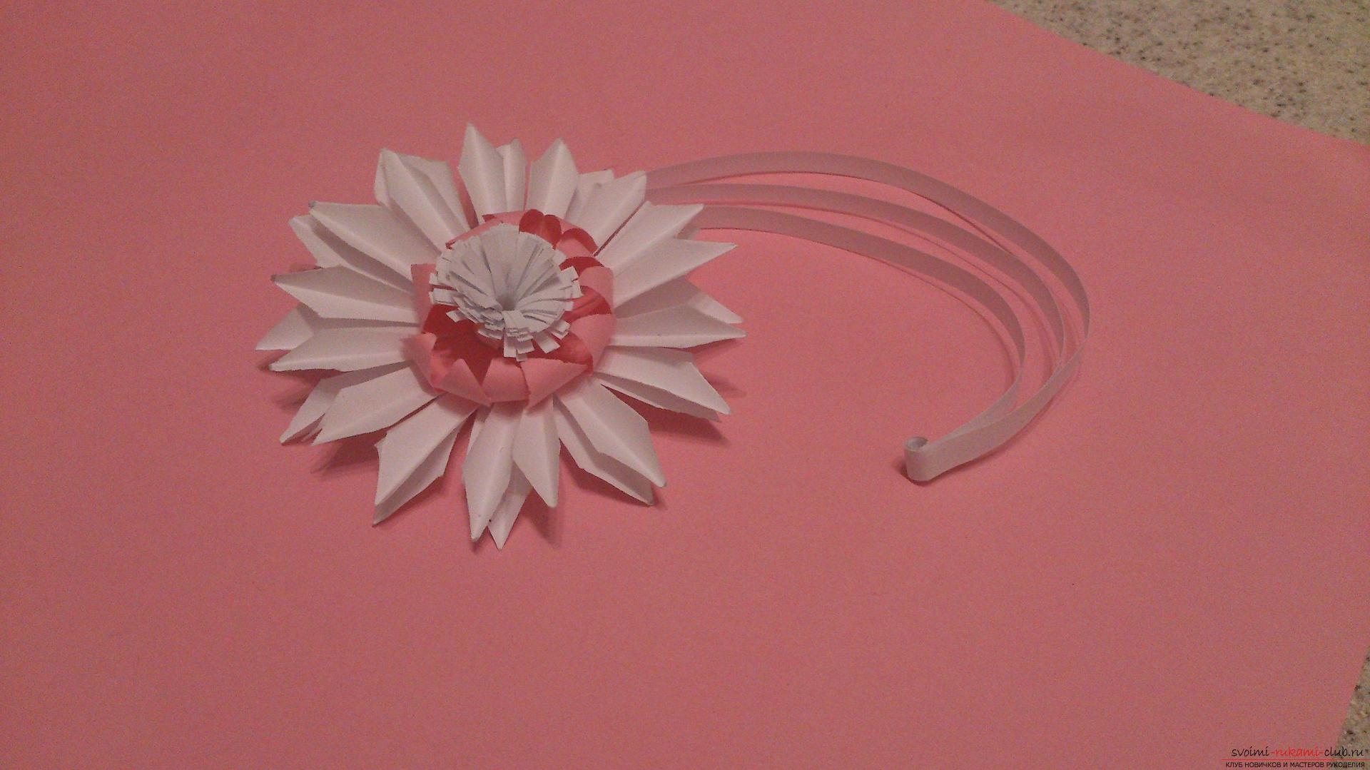 Поделки в технике бумагопластики очень разнообразны, предлагаем сделать картину из цветов, а цветы из бумаги изготовим своими руками.. Фото №28