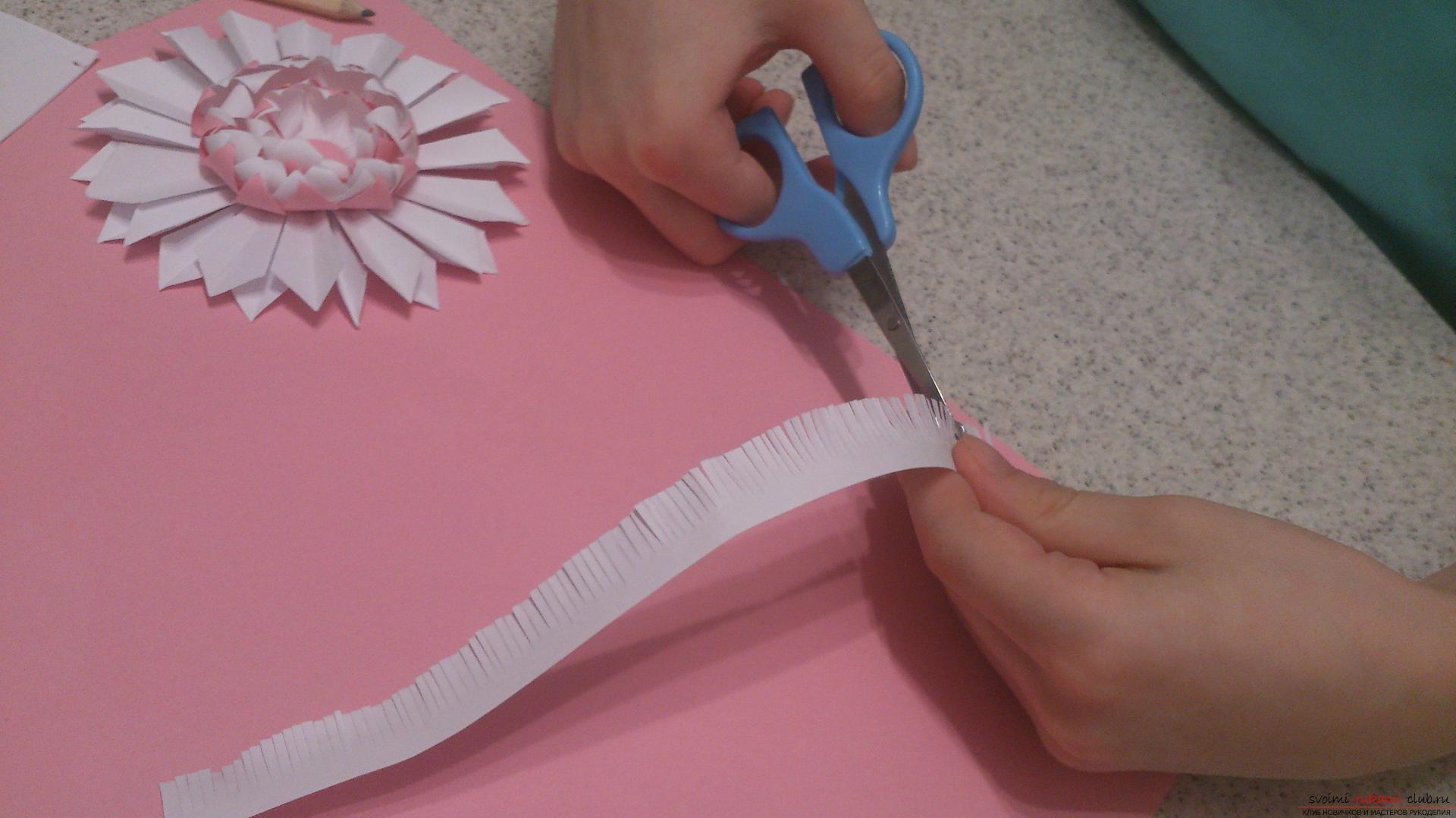 Поделки в технике бумагопластики очень разнообразны, предлагаем сделать картину из цветов, а цветы из бумаги изготовим своими руками.. Фото №16