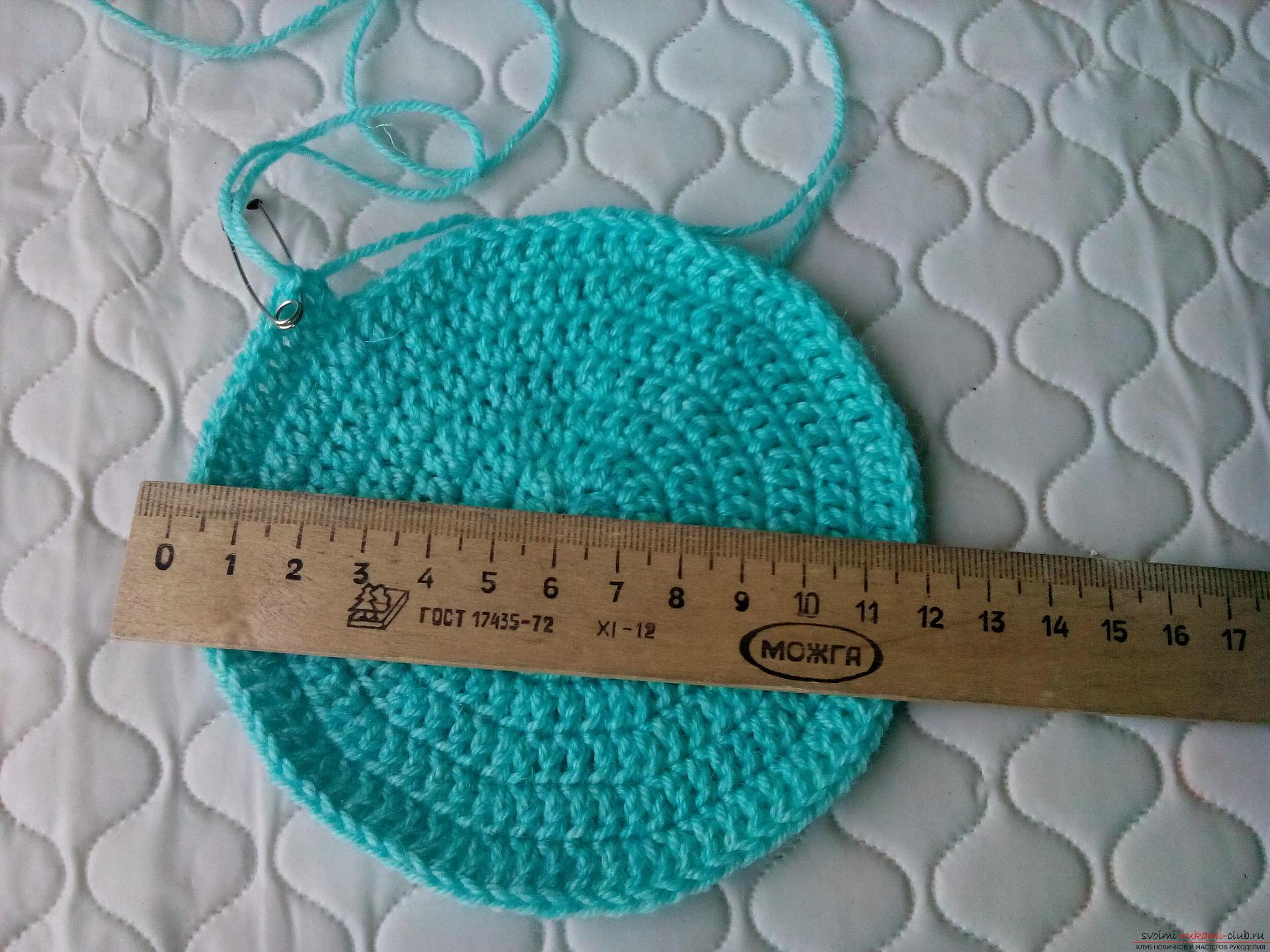 Пошаговое описание и фото вязания крючком комплекта для мальчика из шапочки и шарфа. Фото №4