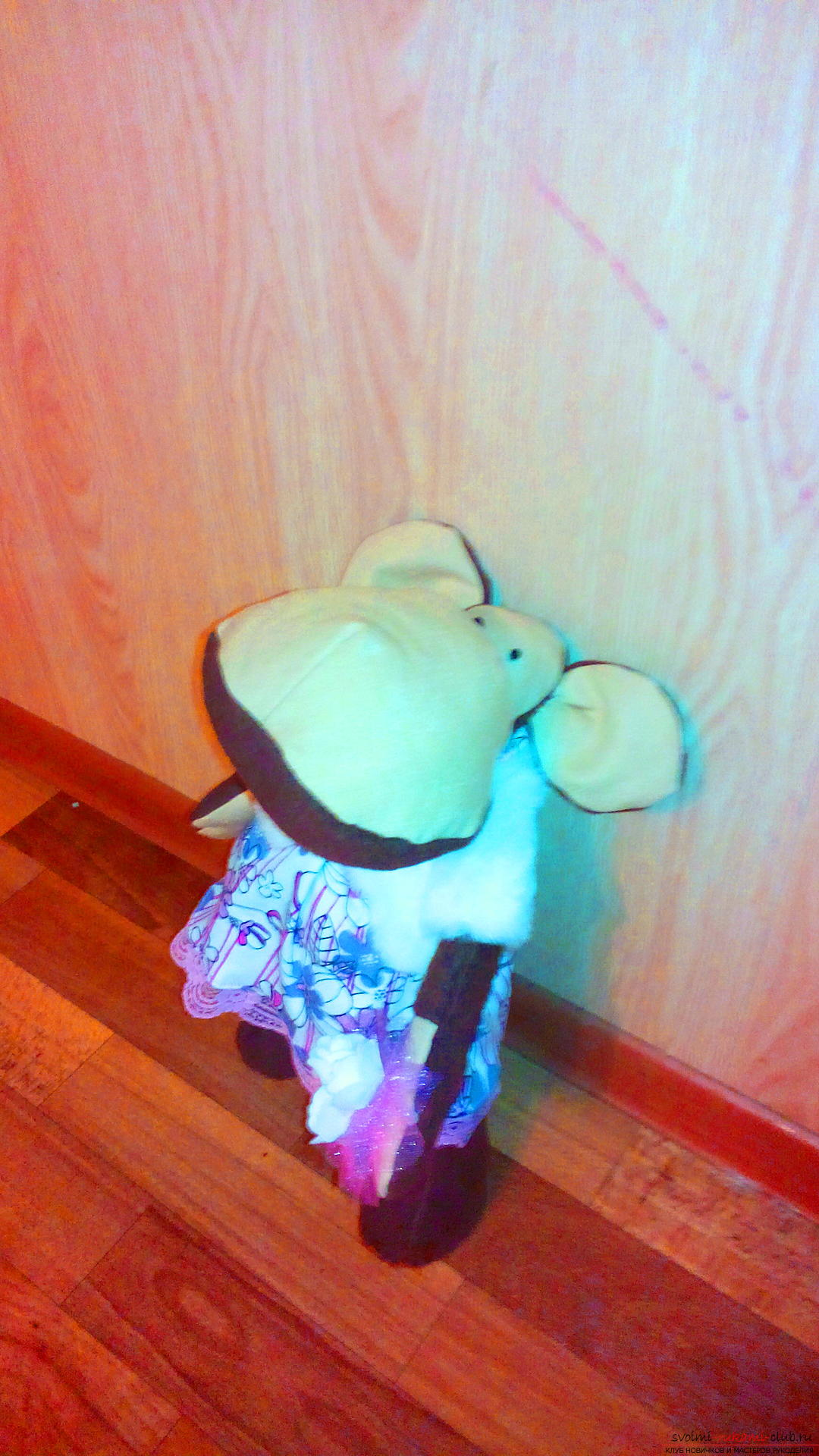 В качестве подарка на Новый гд 2016 я решила сшить непростую обезьяну, а создать игрушку в стиле тильда.. Фото №2