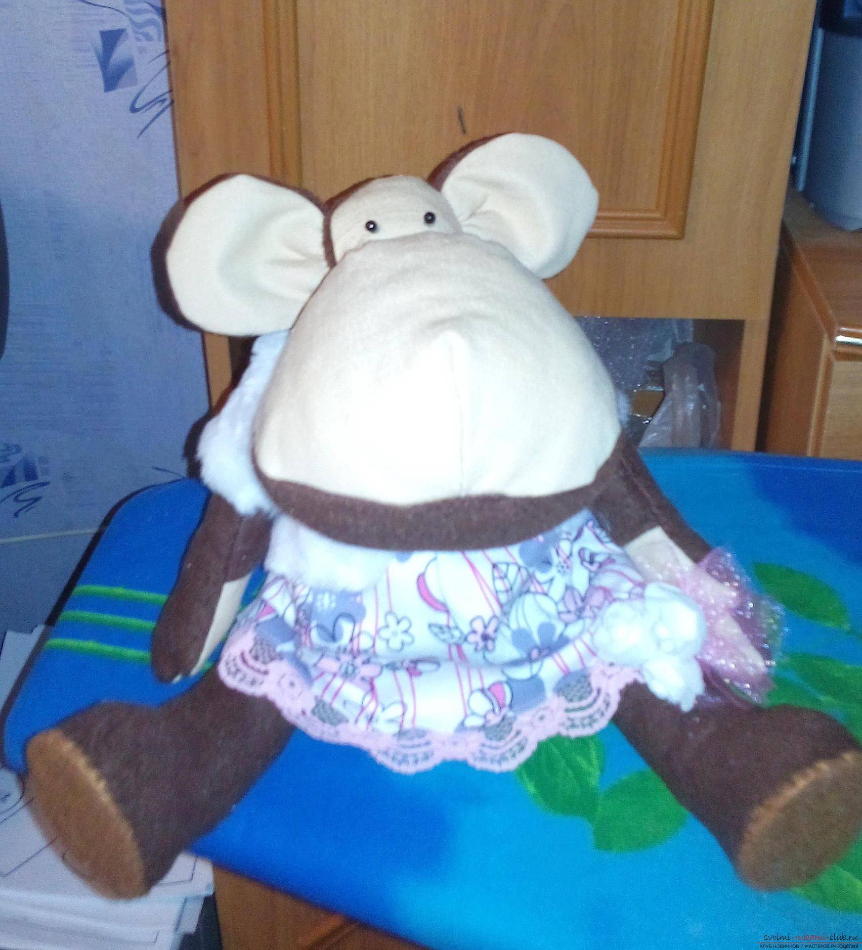 В качестве подарка на Новый гд 2016 я решила сшить непростую обезьяну, а создать игрушку в стиле тильда.. Фото №1