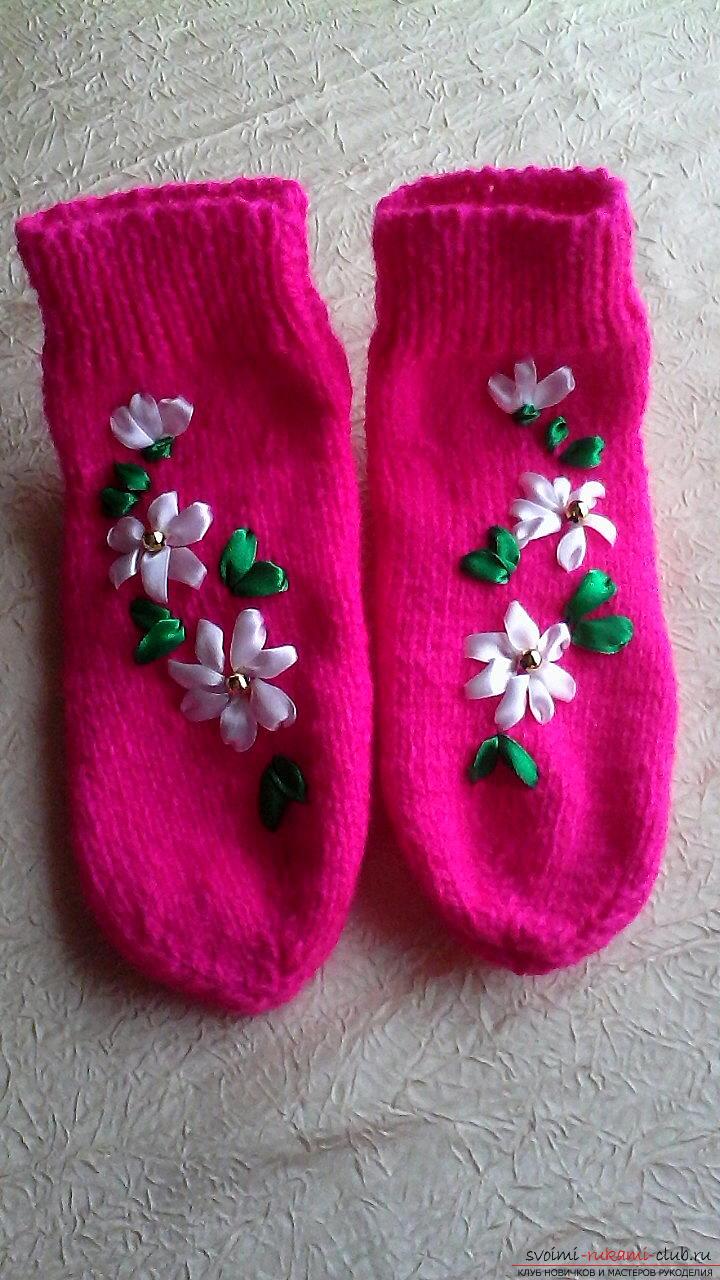 Вязаные носки, украшенные вышивкой на Конкурс Весна 2016 ...
