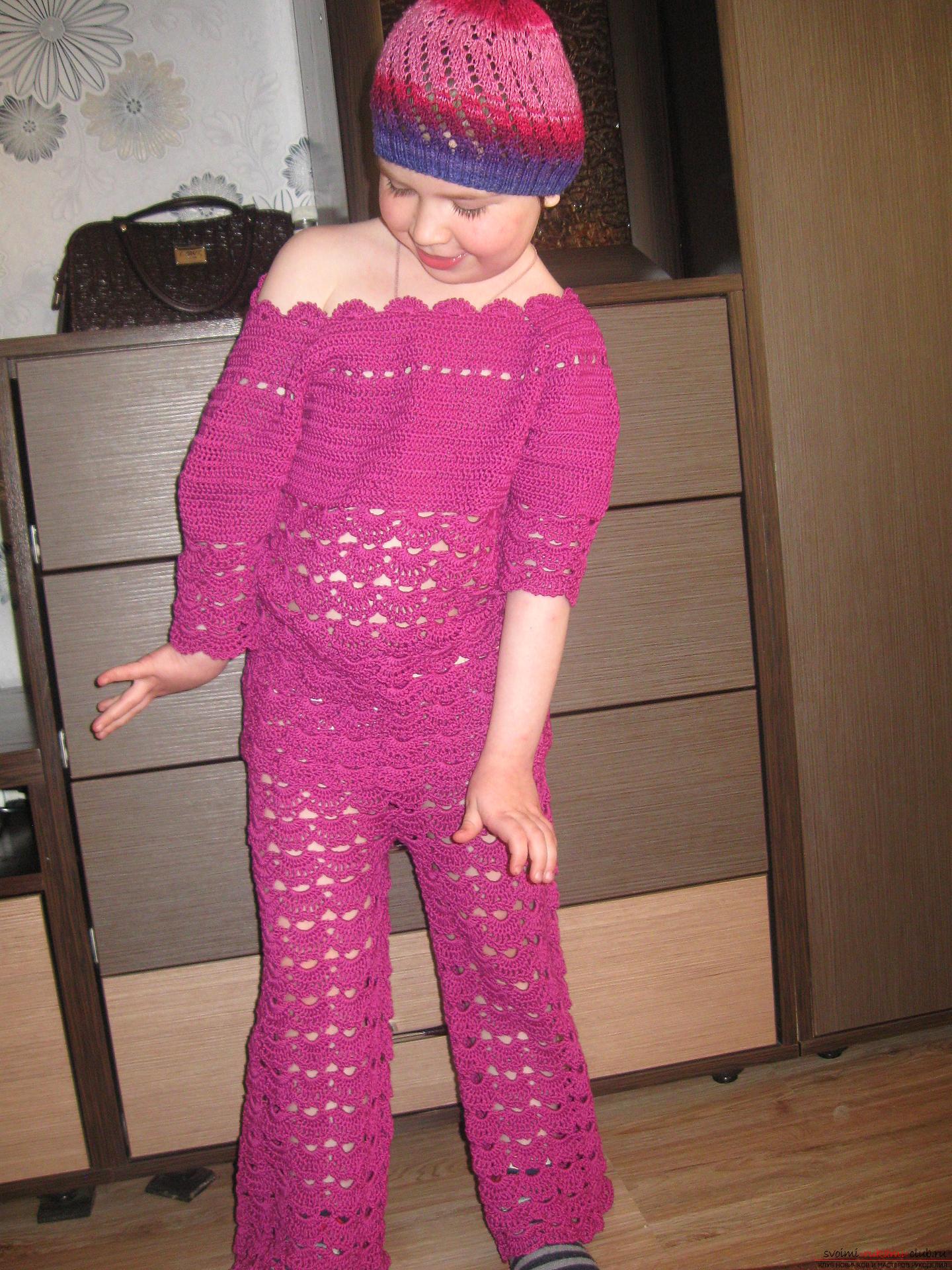 Вязание теплые костюмы для девочки 274