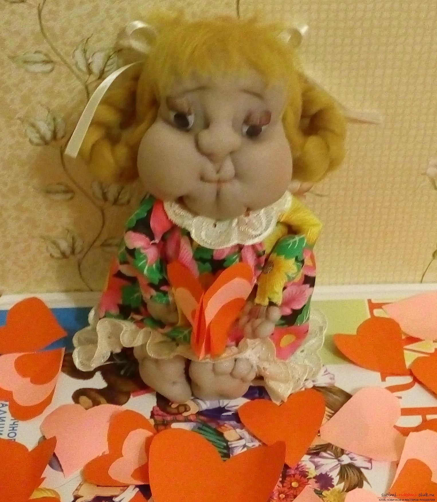 Кукла из капрона на День святого Валентина. Фото №1
