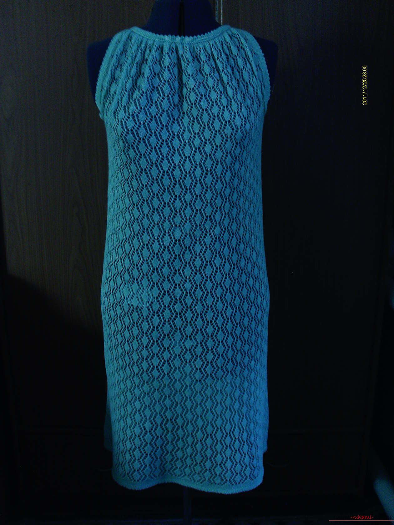 Ажурное платье из акриловой пряжи. Фото №1