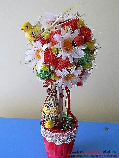 Топиарий из искусственных цветов. Фото №1