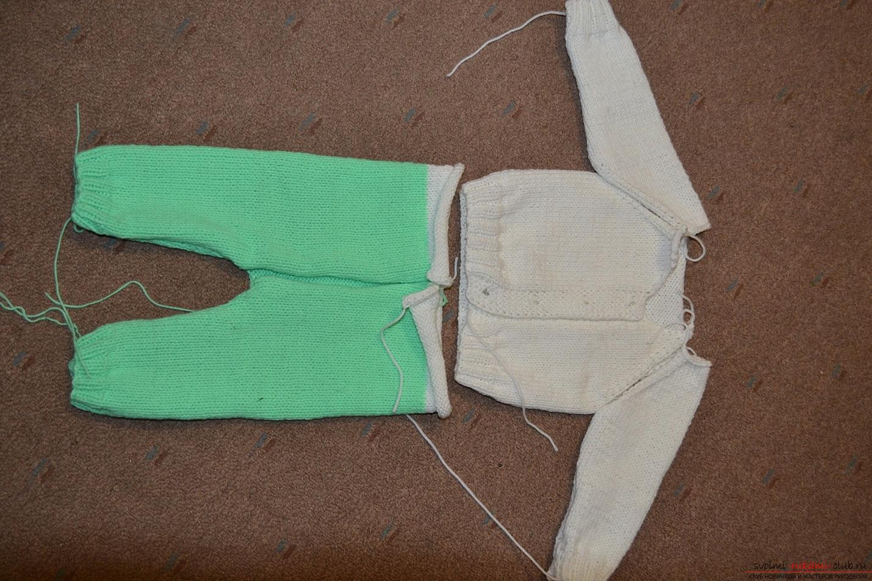 Этот мастер-класс со схемой вязания научит как связать костюм для новорожденного или грудничка спицами.. Фото №12