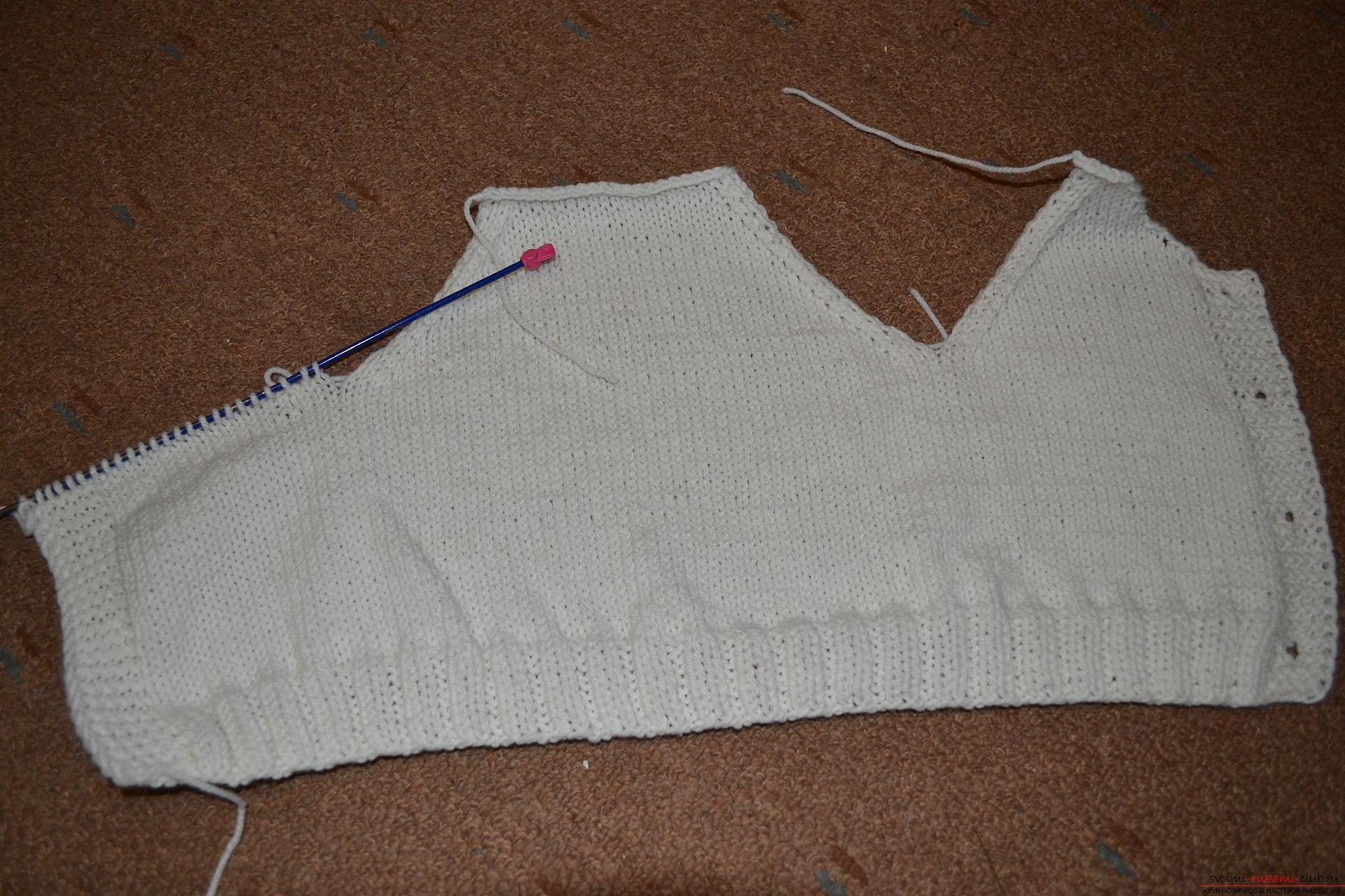 Этот мастер-класс со схемой вязания научит как связать костюм для новорожденного или грудничка спицами.. Фото №9