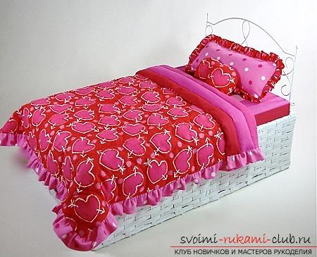 Как сделать кукольную кроватку из плетенной корзины и детали садовой ограды без специальных инструментов.. Фото №1