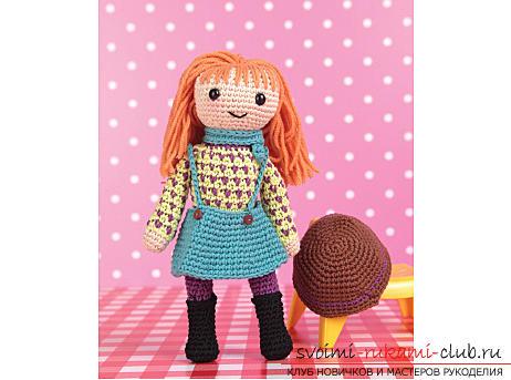 Этот авторский мастер-класс вязания куклы в стиле амигуруми крючком научит как связать куклу Лив.. Фото №1