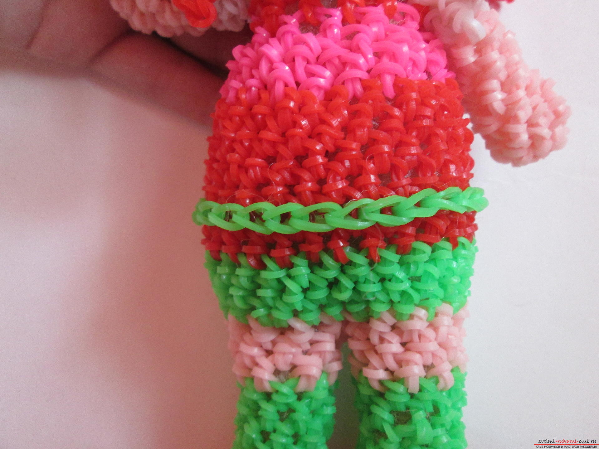Плетение куколок из резинок