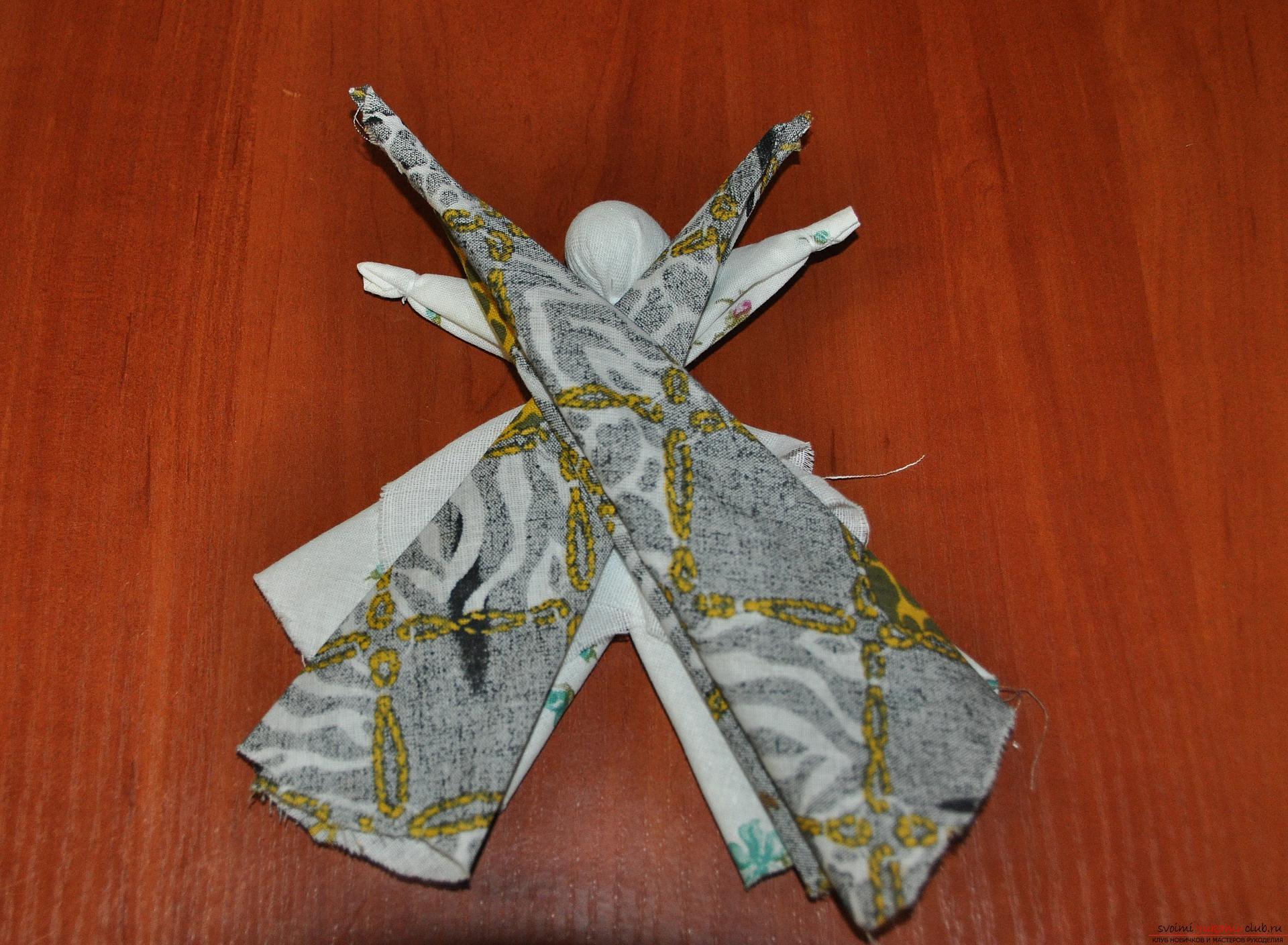 Этот мастер-класс научит как изготовить своими руками куклу-берегиню - столбушку. Фото №15