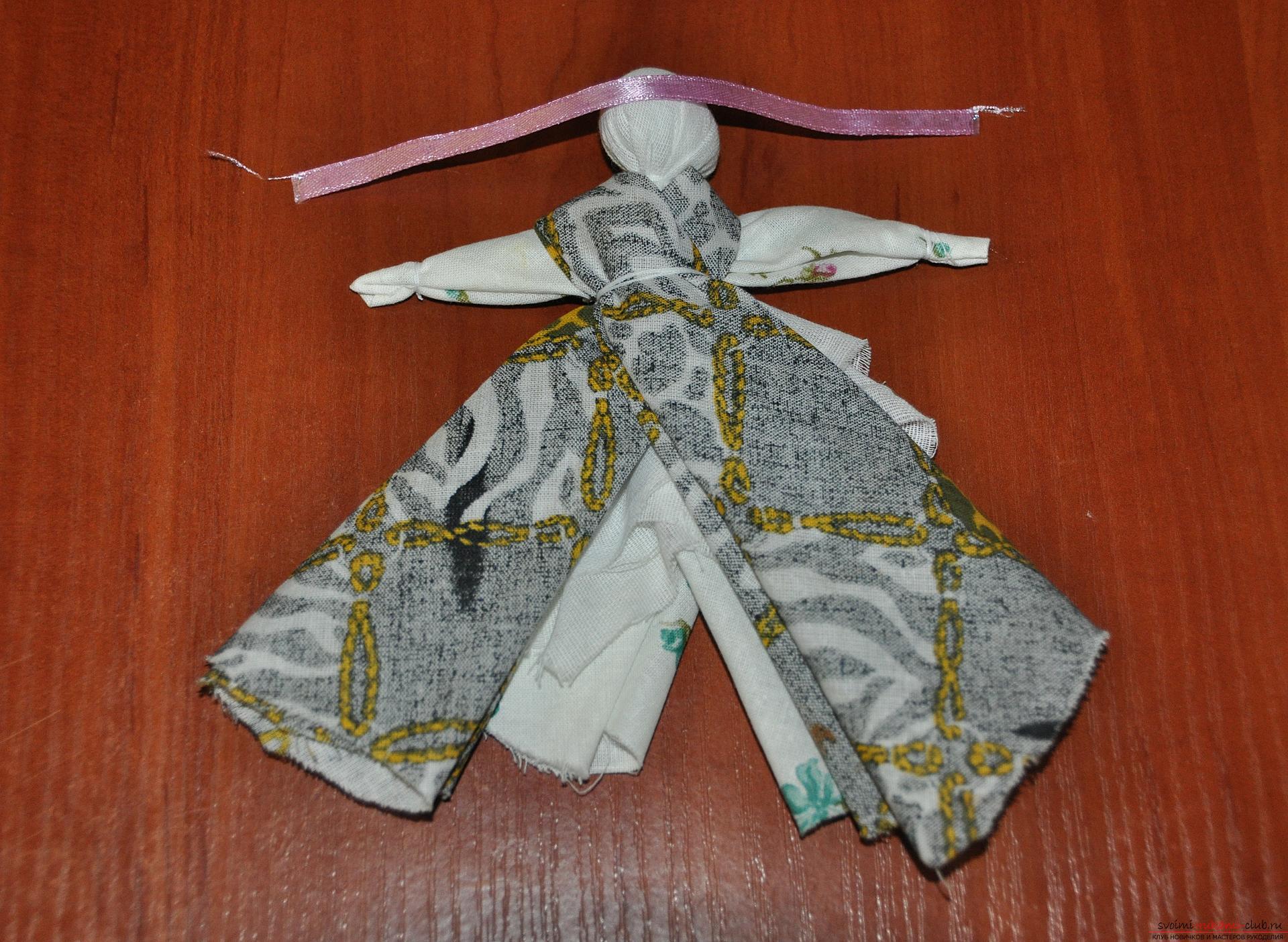 Этот мастер-класс научит как изготовить своими руками куклу-берегиню - столбушку. Фото №19