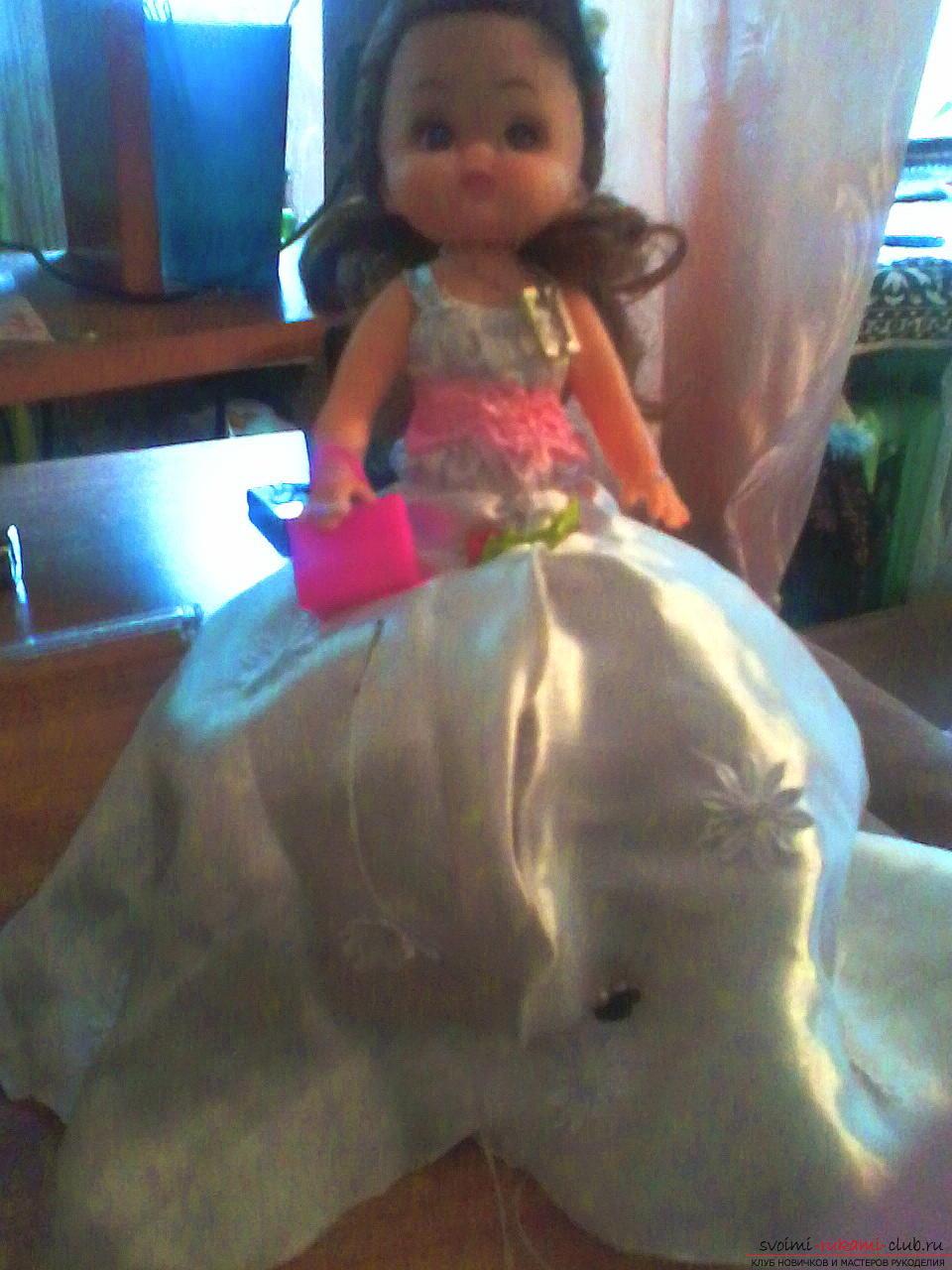Сделать куклу-шкатулку своими руками легко и просто. Такая кукла может послужить не только игрушкой для ребенка, но и сбережет ваши украшения.. Фото №1