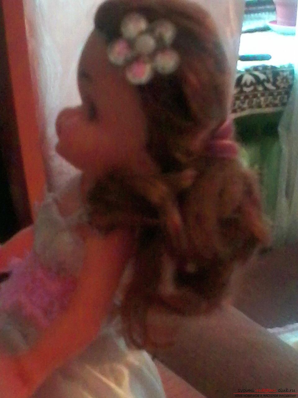 Сделать куклу-шкатулку своими руками легко и просто. Такая кукла может послужить не только игрушкой для ребенка, но и сбережет ваши украшения.. Фото №2