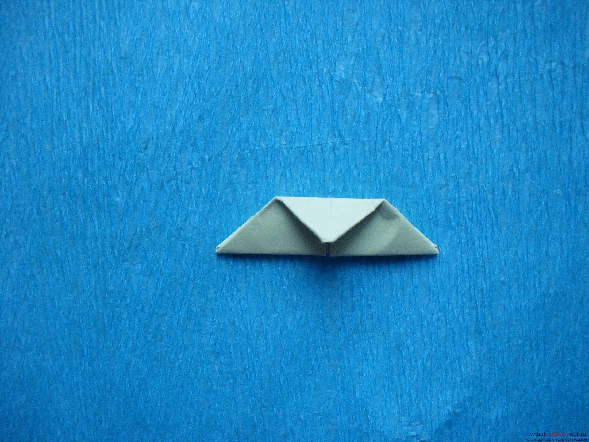 Этот мастер-класс расскажет как сделать поделку из модульных оригами - лягушку.. Фото №17