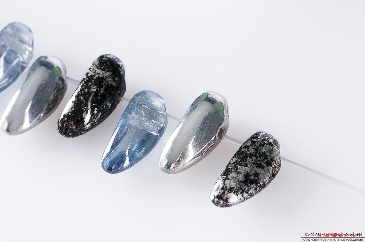 Поделки из бус и камней