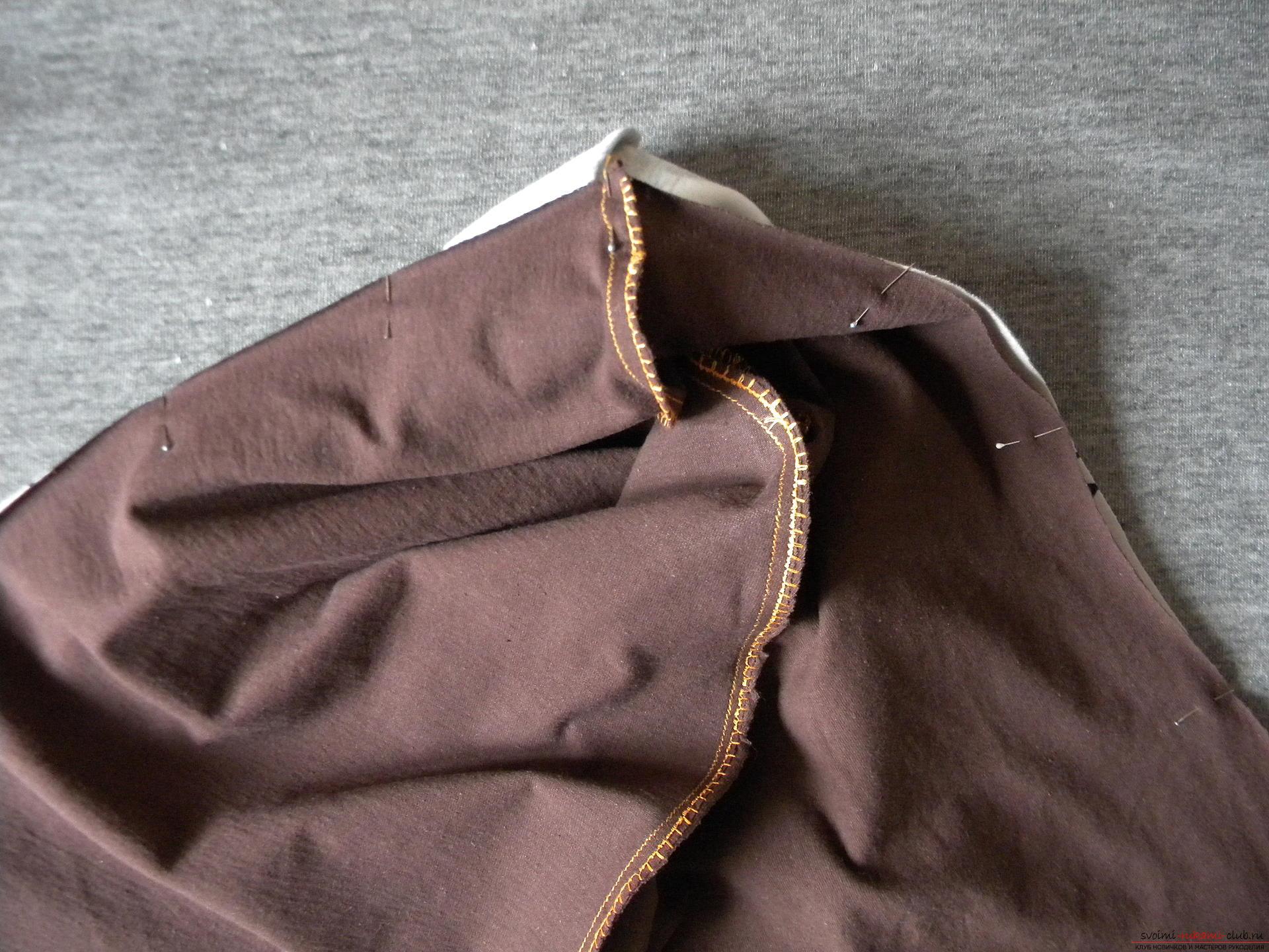 Мастер-класс по шитью подробно описывает и показывает на фото как сшить худи с капюшоном.. Фото №6