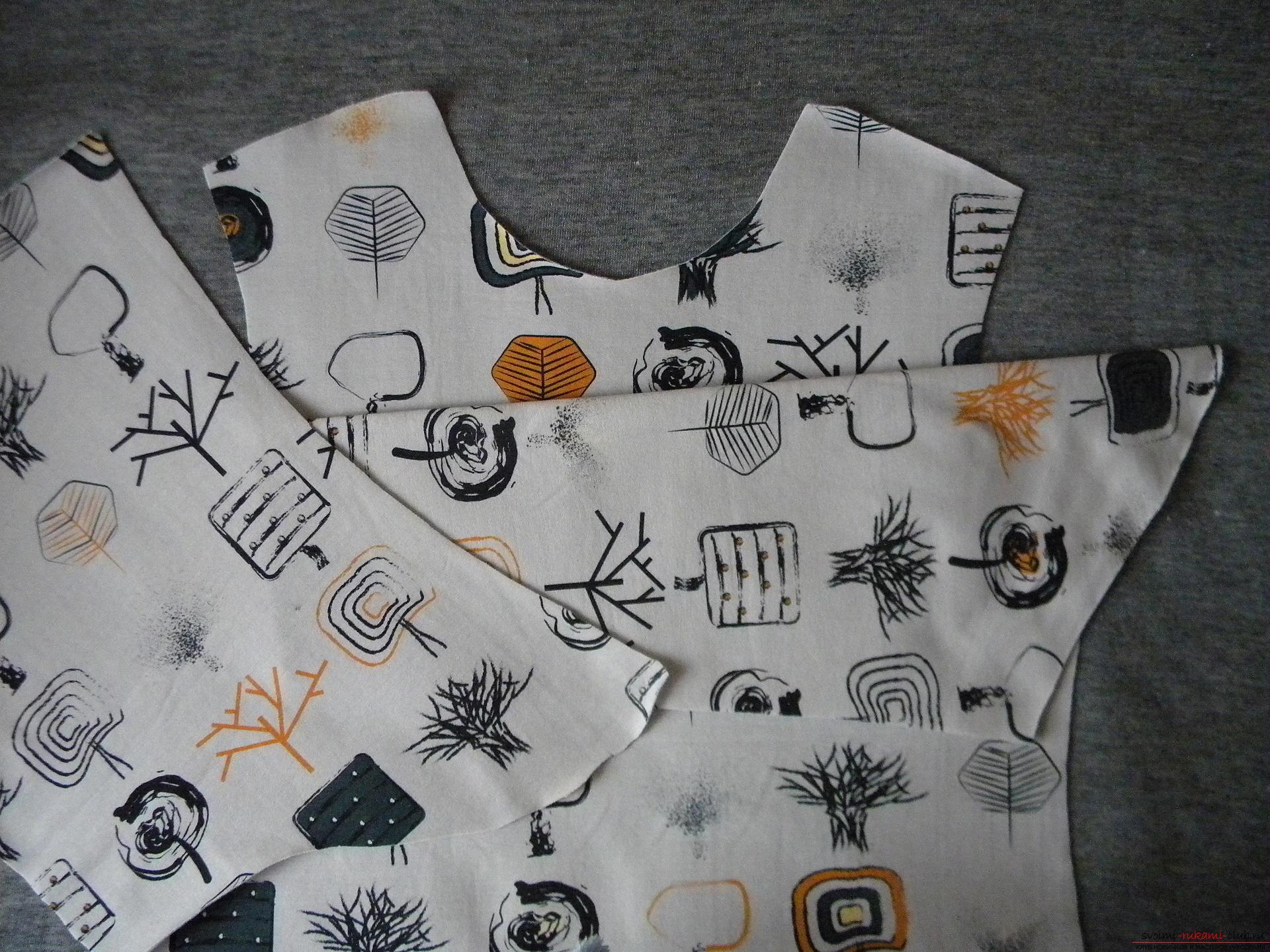 Мастер-класс по шитью подробно описывает и показывает на фото как сшить худи с капюшоном.. Фото №3