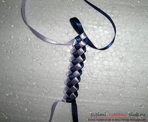 Плетем браслеты из лент своими руками. Фото №5