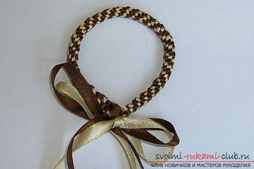 Плетем браслеты из лент своими руками. Фото №6