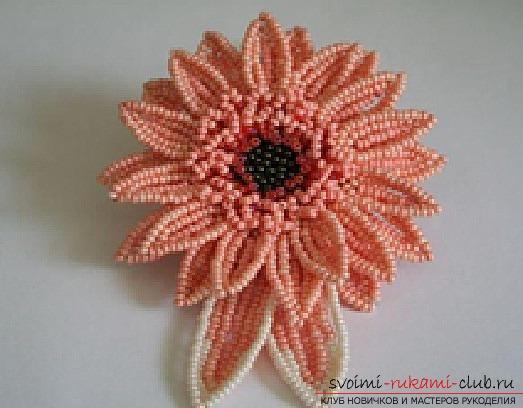 Цветок гербера будет красивым украшением и отличным способом похвастаться своим умением
