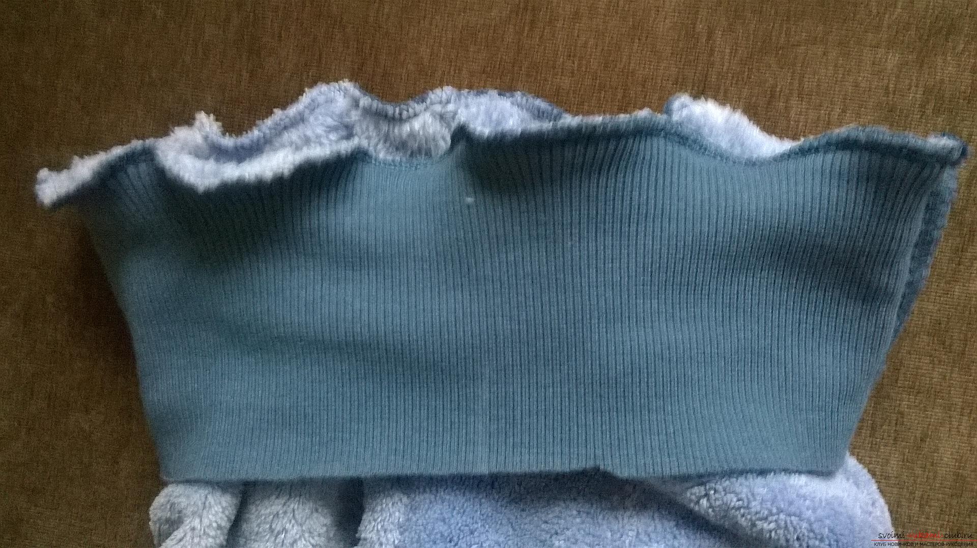 Эта статья рассказывает как сшить теплые и удобные штаны для мальчика на резинке. Фото №14