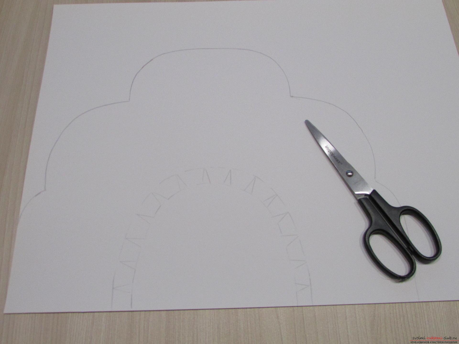 Мастер-класс покажет, как сделать своими руками- головной убор для Снегурочки – корону.. Фото №4