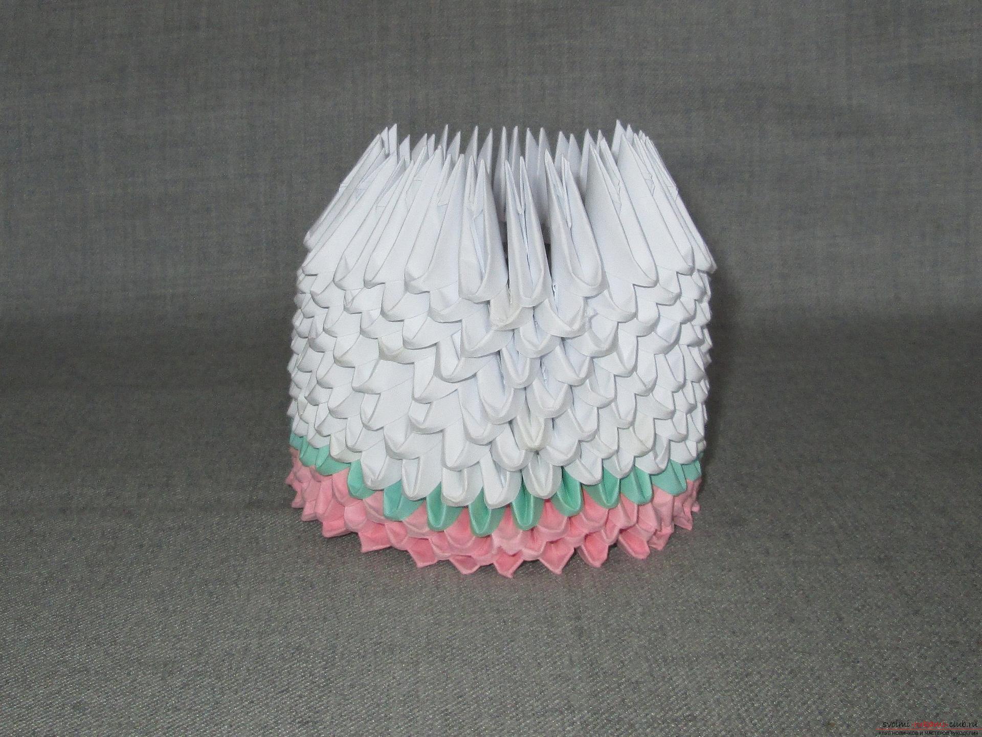 Наш мастер-класс покажет как сделать оригами из модулей, получится космическая ракета своими руками.. Фото №7
