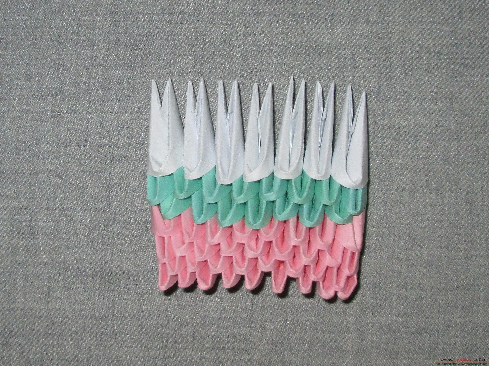 Наш мастер-класс покажет как сделать оригами из модулей, получится космическая ракета своими руками.. Фото №19