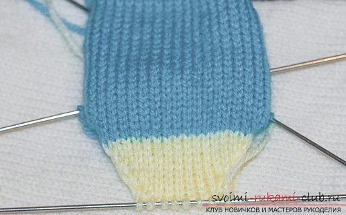 Пример вязания детских носков. Бесплатный урок по вязанию носков для мальчика, пошаговые описания и рекомендации с фотографиями работ опытных вязальщиц. Фото №6