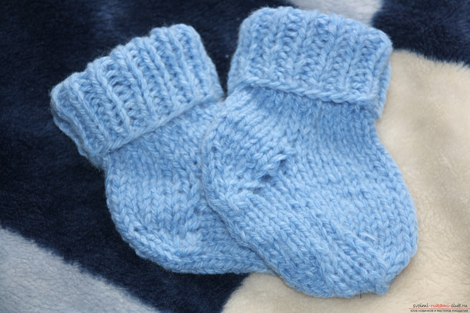 Вяжем теплые носочки для ребенка. Мастер-класс для начинающих рукодельниц с фото. Фото №1