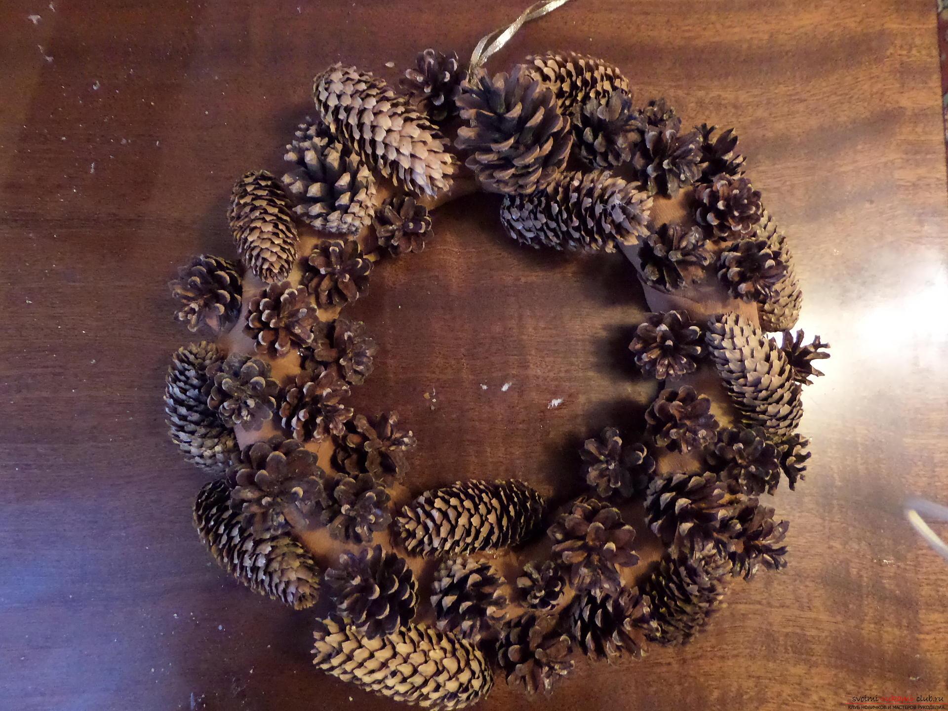 Фото новогоднего венка своими руками из шишек