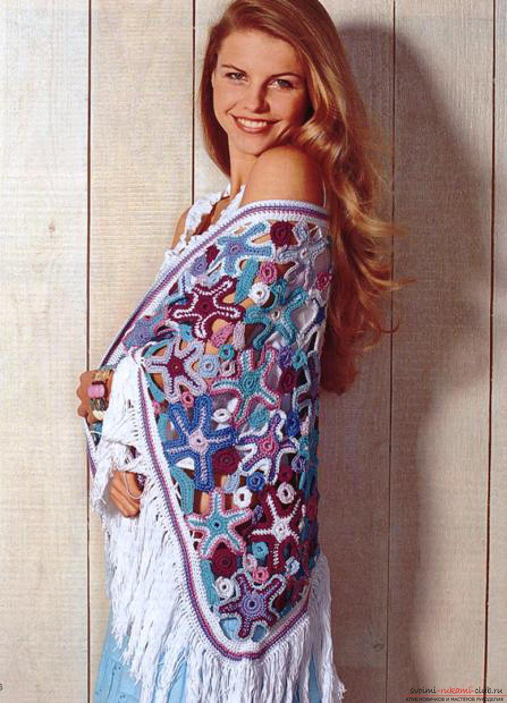 вязаная крючком красивая женская шаль. Фото №7