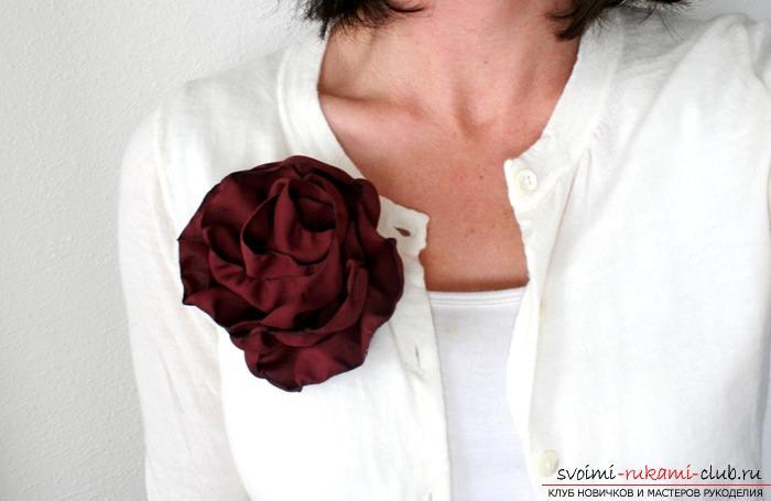 Великолепные и незамысловатые цветы из ткани. Фото №1
