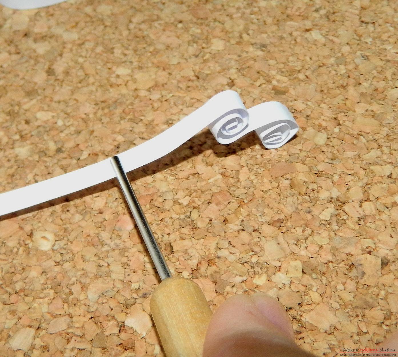 Этот мастер-класс расскажет как сделать открытку ручной работы в технике квиллинг.. Фото №12