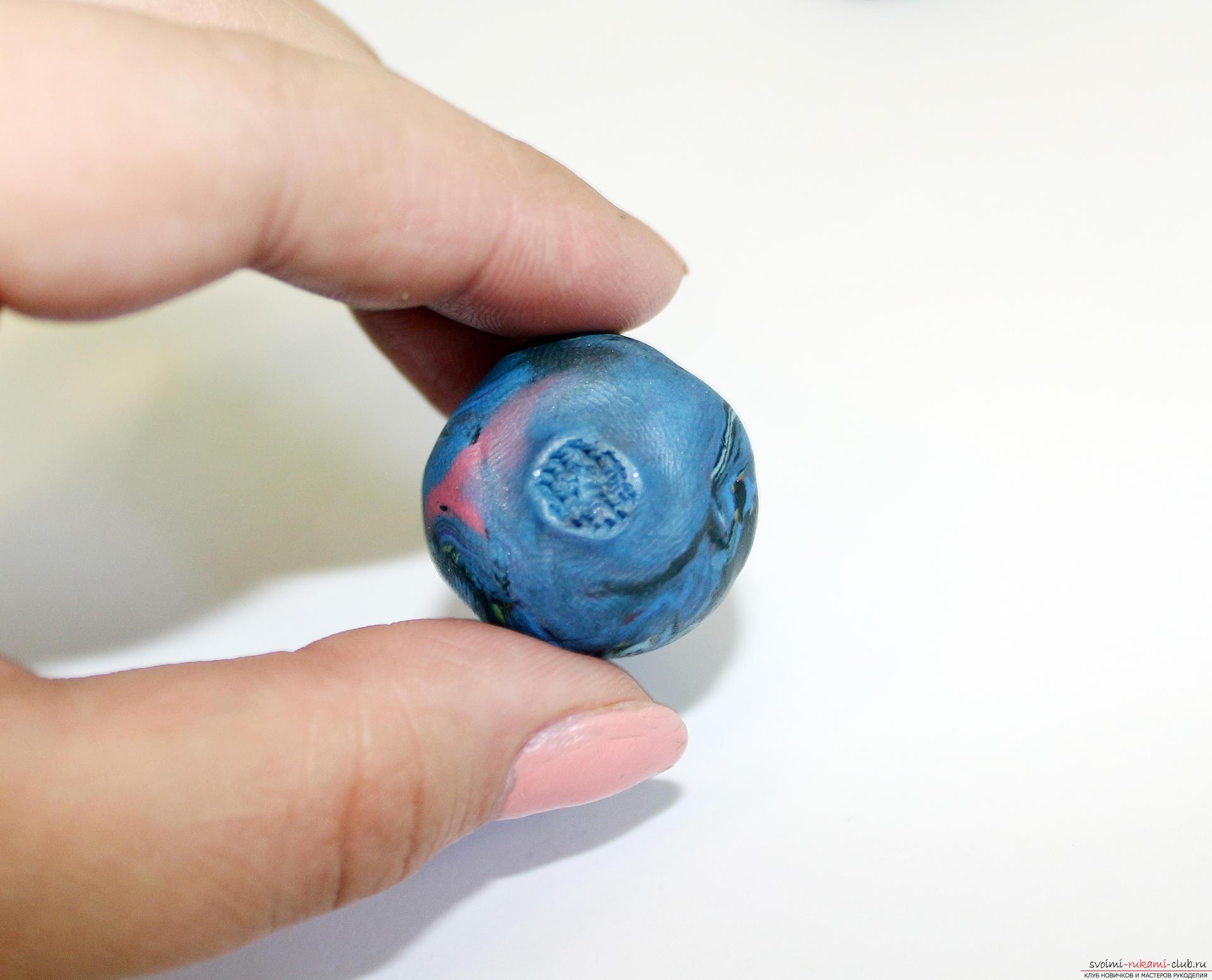 Этот подробный мастер-класс по лепке из полимерной глины расскажет как сделать своими руками фигурки из полимерной глины - овощи и фрукты для детей.. Фото №29