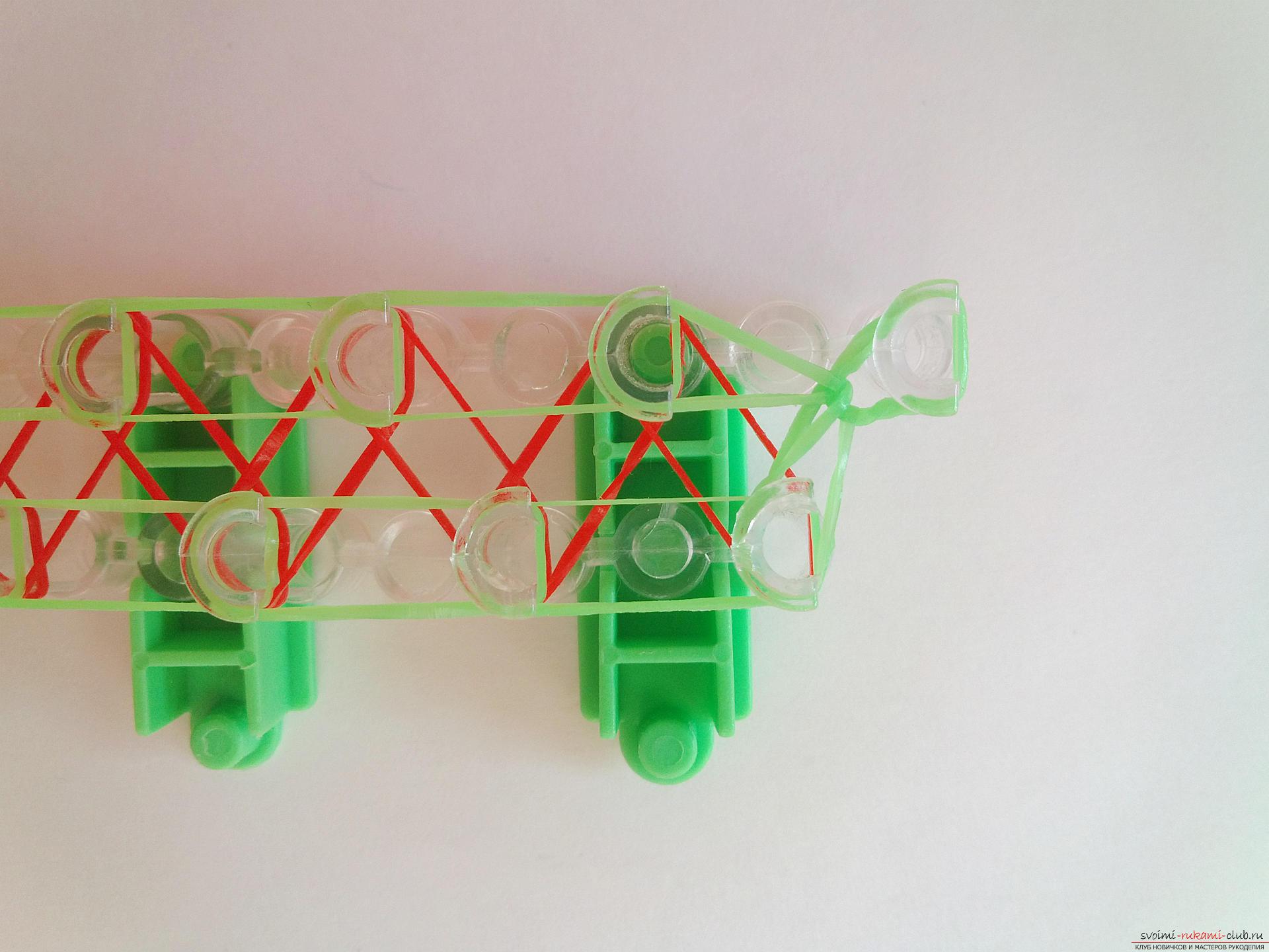 Плетение браслетов из резиночек на станке пошаговое фото