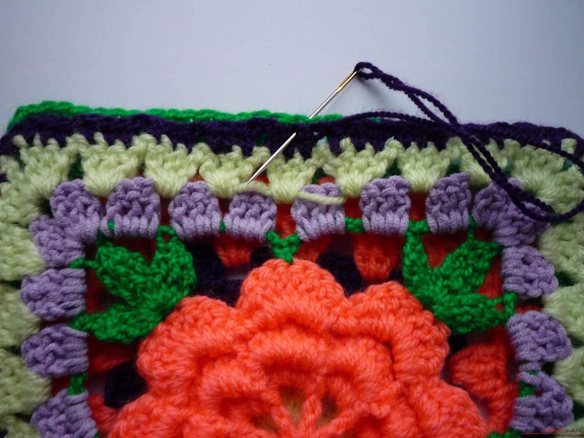 Мастер-класс с фото научит вязать симпатичные прихватки крючком с объемным цветком.. Фото №14