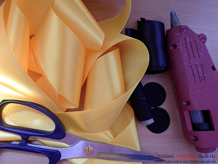 Как создать яркий цветок подсолнуха, который можно использовать в качестве украшения для волос, одежды или интерьера. Фото №1