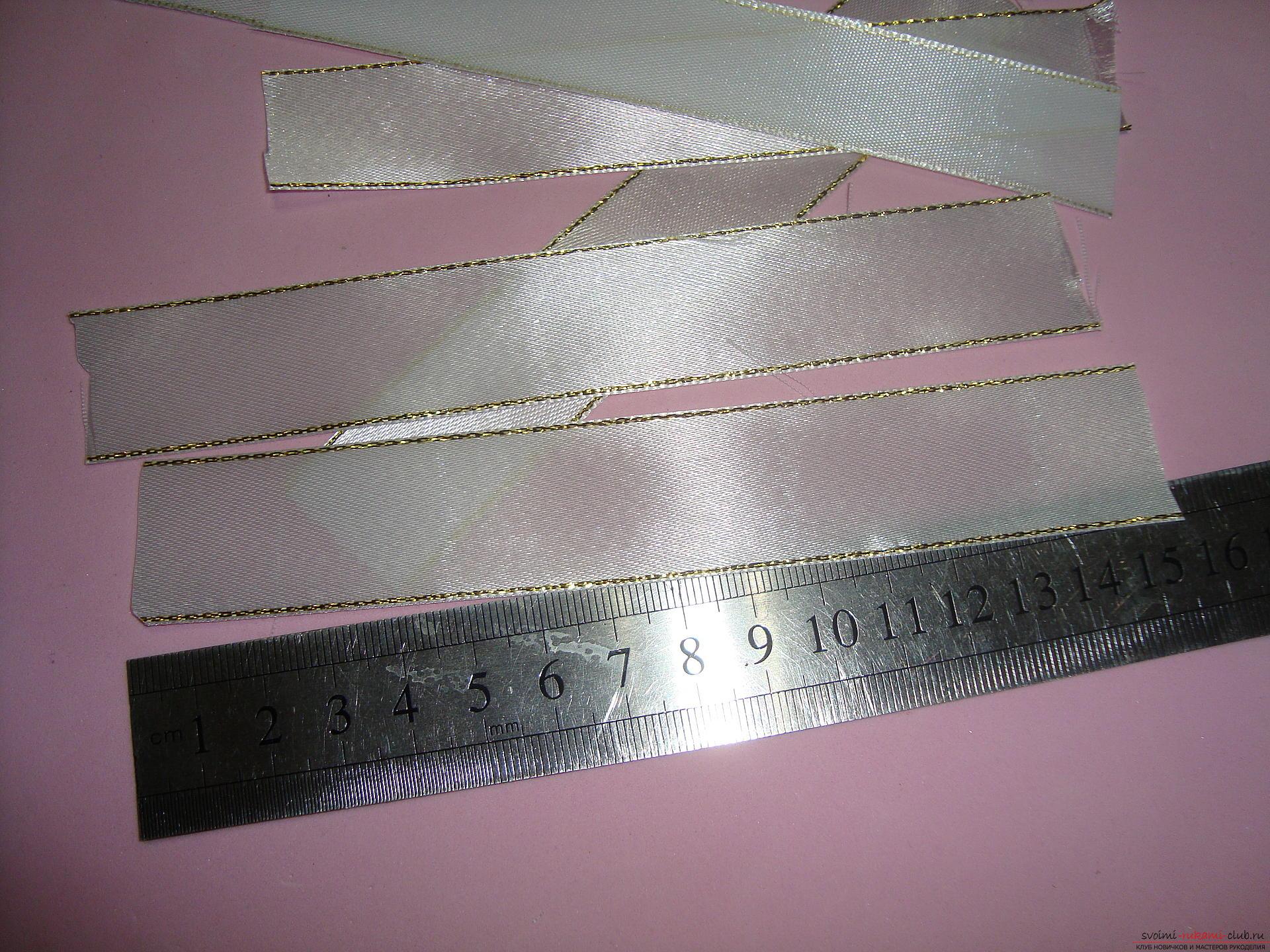 Фото-инструкция по изготовлению праздничных бантов для девочек. Фото №4