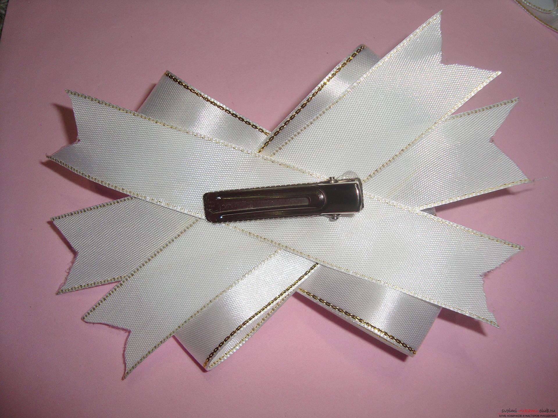 Фото-инструкция по изготовлению праздничных бантов для девочек. Фото №18