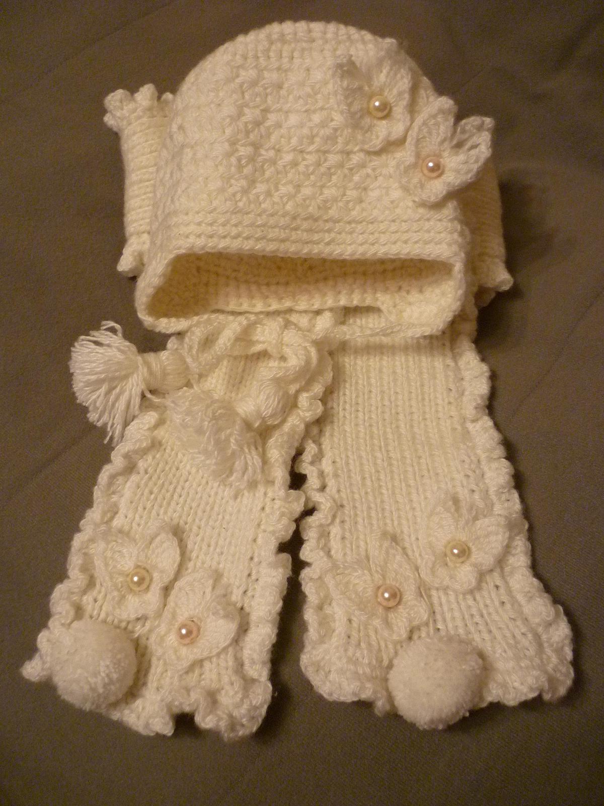 Комплект на девочку 6-9 месяцев сделано своими руками
